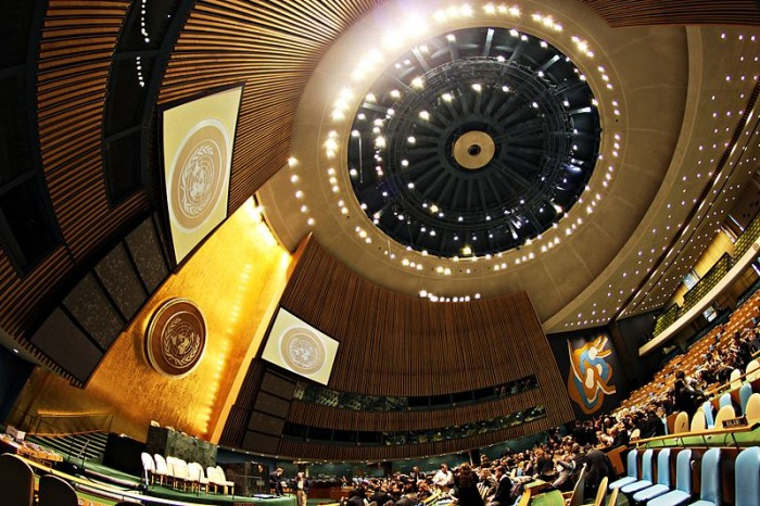 united-nations-general-assembly-hall-in-the-un-headquarters-photo-by-basil-d-soufi-700x466